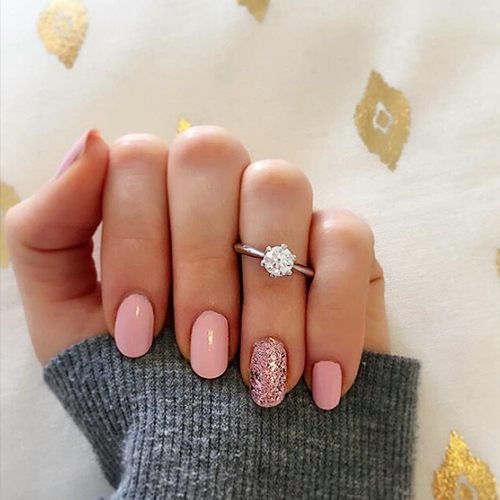 solitaire diamond engagement ring selfie manicure