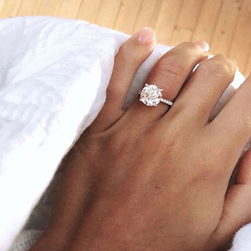3 carat diamond engagement ring selfie