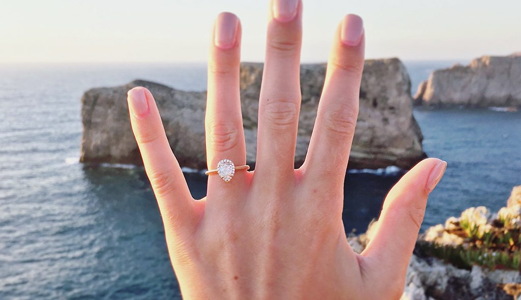 How to Take an Awesome Engagement Ring Selfie - The James Allen Blog