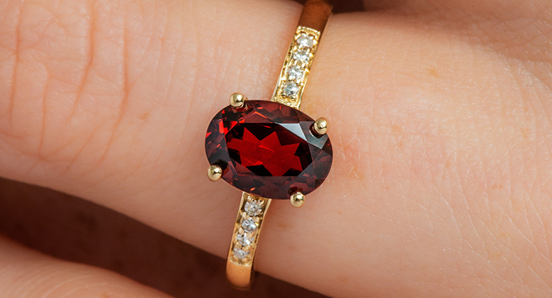 oval cut garnet january birthstone pave diamond ring