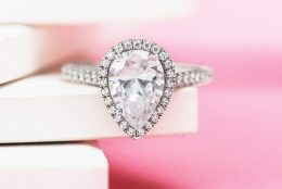 Pear Shaped Diamonds with Fruitful Flare