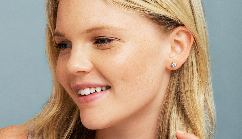 diamond-stud-earrings-classic-round-cut-four-prong-earring-settings-cover
