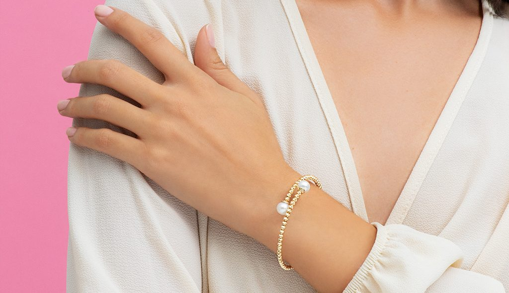 14K Yellow Gold Akoya Cultured Pearl And Textured Brilliance Bead Bangle Bracelet