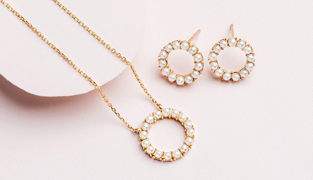 Pearl jewelry earrings necklace