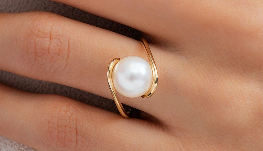 14K Yellow Gold Freshwater Cultured Pearl Twist Ring