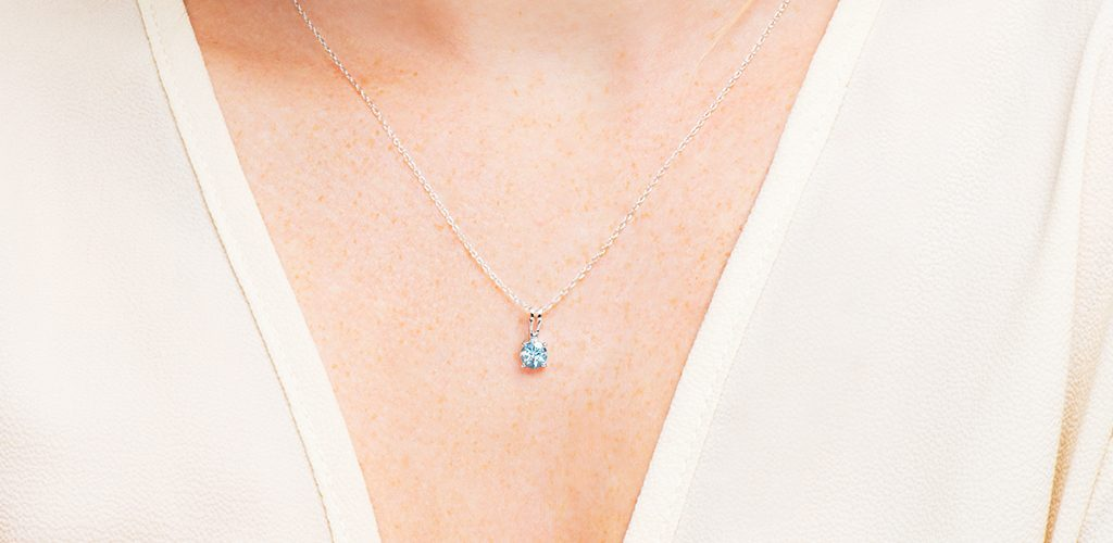 aquamarine solitaire pendant march birthstone