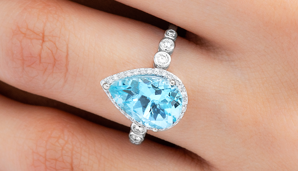 pear cut aquamarine ring march brithstone