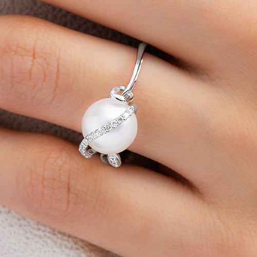 14K White Gold Freshwater Cultured Pearl And Diamond Vine Ring