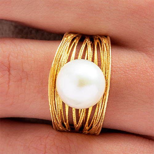 14K Yellow Gold Textured Basket Freshwater Cultured Pearl Ring