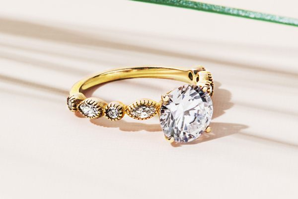 Cover-Blog-Yellow-gold-engagement-rings