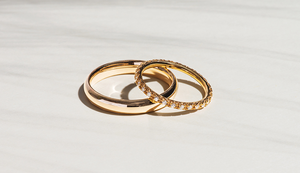 Cover-matching-wedding-rings-blog