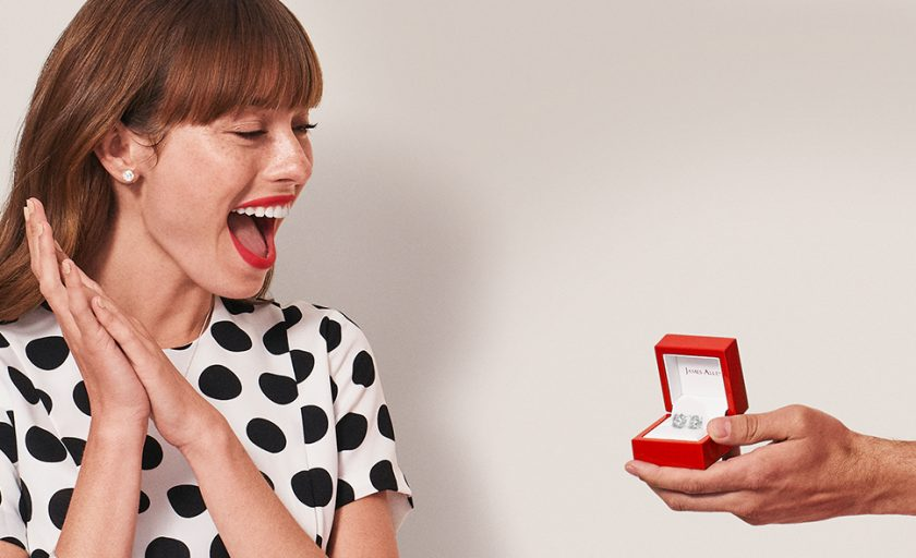 The Ultimate Guide for Choosing a Foolproof Jewelry Gift