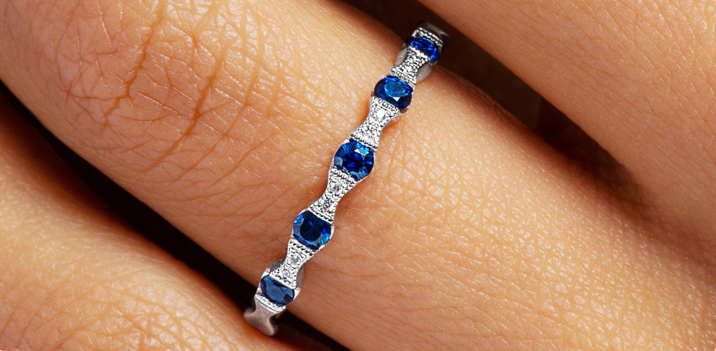 14K White Gold Vintage Bowtie Shaped Stations Alternating Sapphire And Diamond Ring