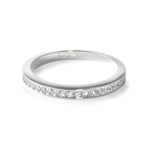 How to wear a wedding ring - channel-set diamond wedding ring