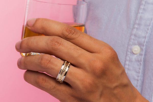cover-10-Unique-Wedding-Bands-For-The-Modern-Man-cover-copy